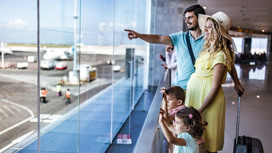 6 Tips for Staying Safe (and Sane!) While Traveling with Kids