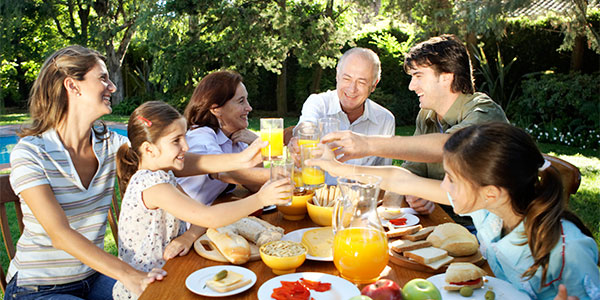 Nutritional_Counseling_74226923_web_600x300w